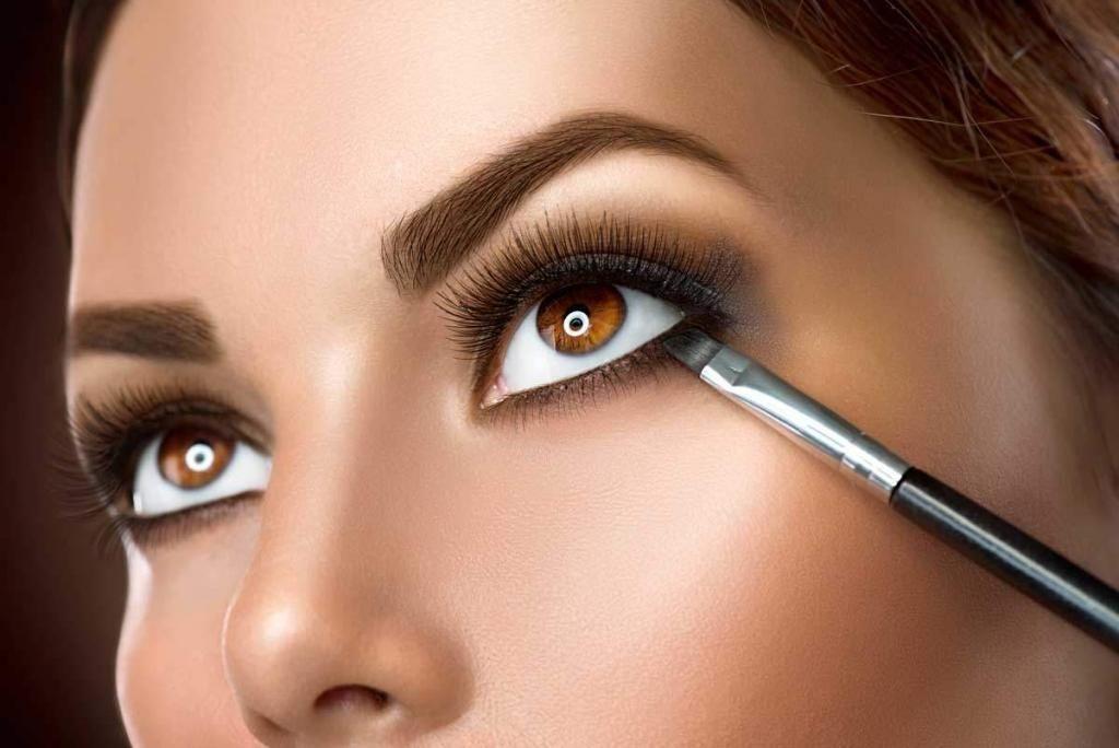 6 Tips Makeup for Dark Skin